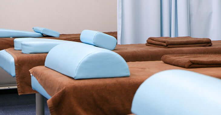 施術用のベッド